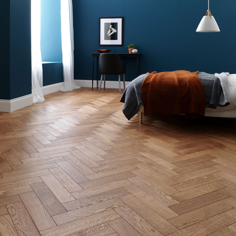 How To Choose The Best Bedroom Flooring Bedroom Wooden Floor Wooden Bedroom Oak Parquet Flooring