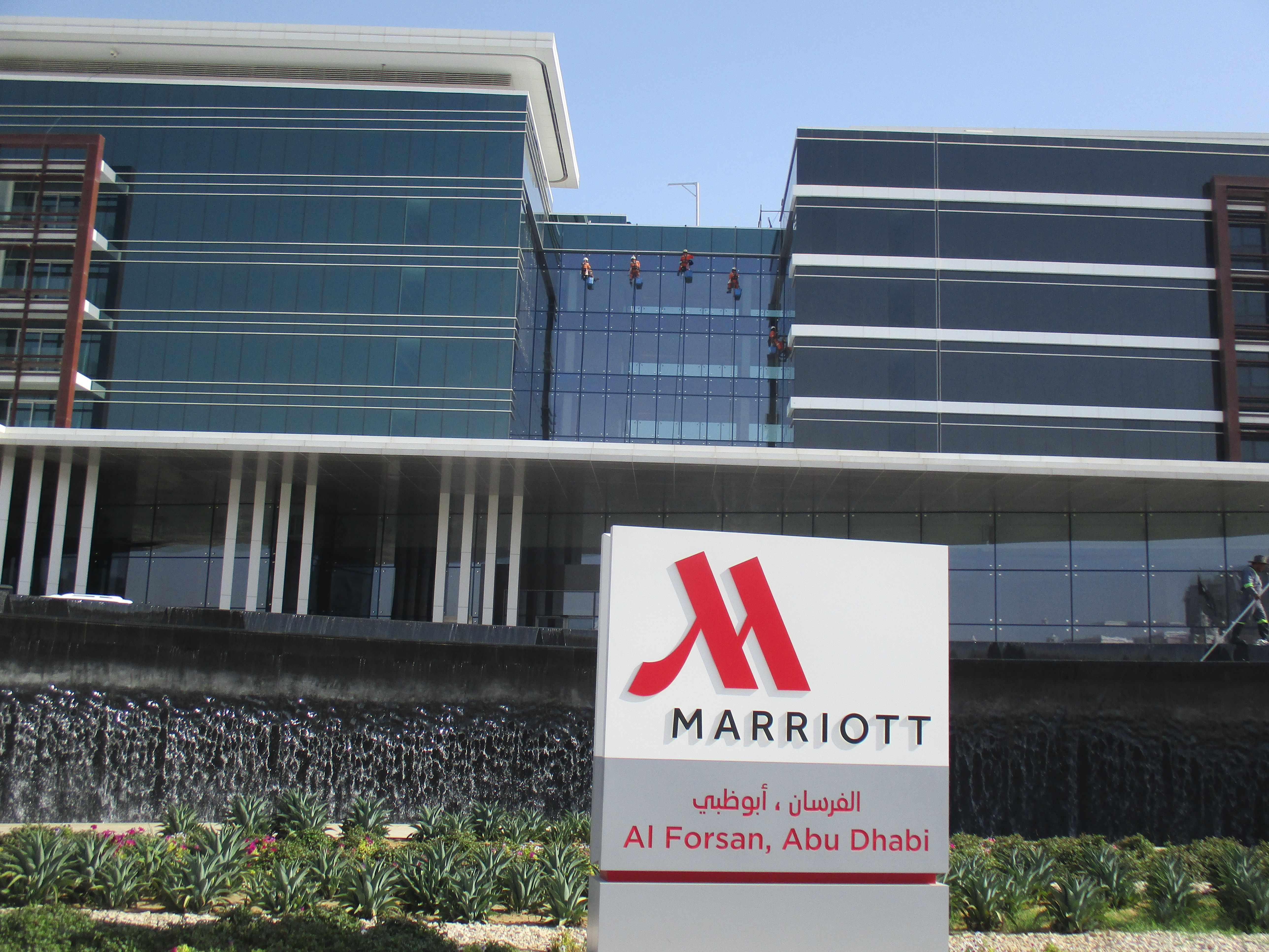 Our newest rope access window cleaning services at MARRIOTT AL
