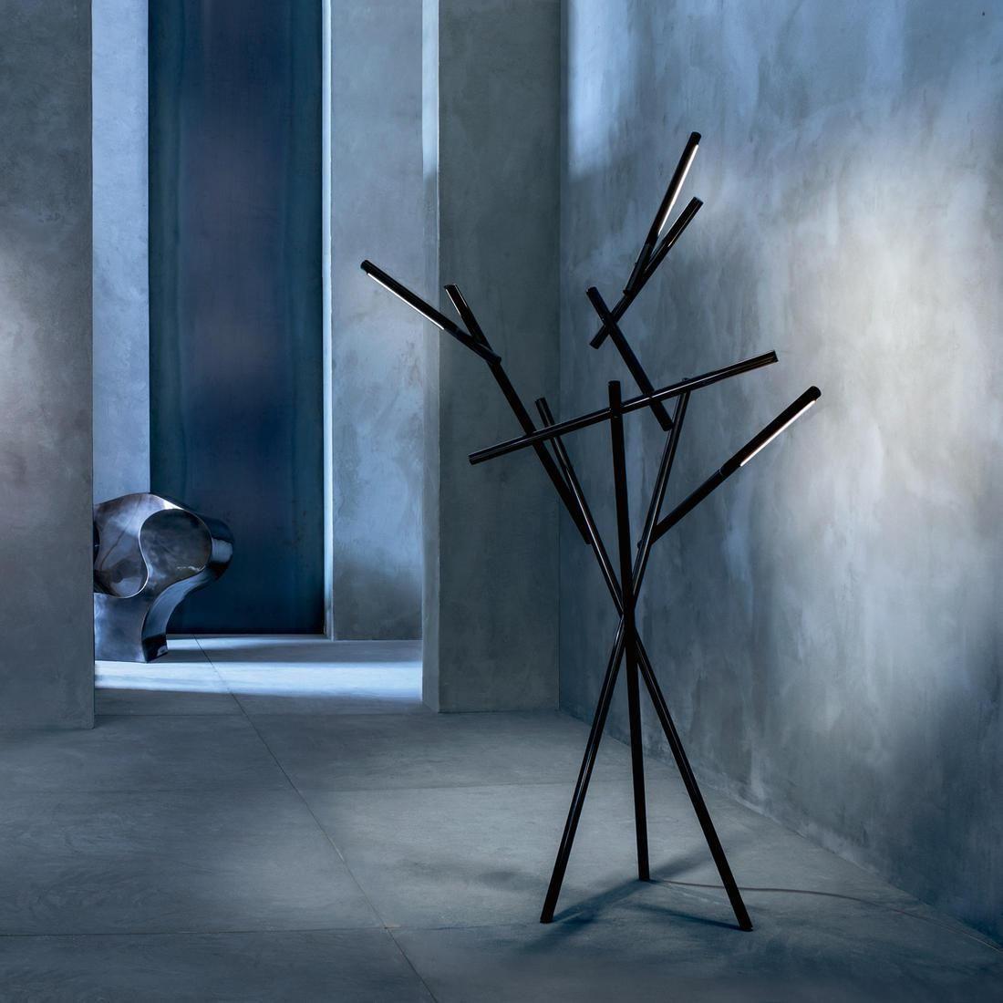 TUAREG   Lampadaire LED Noir H210cm Foscarini