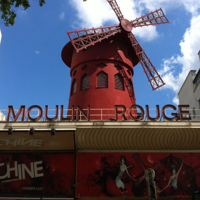 The fabulous Moulin Rouge in real life!
