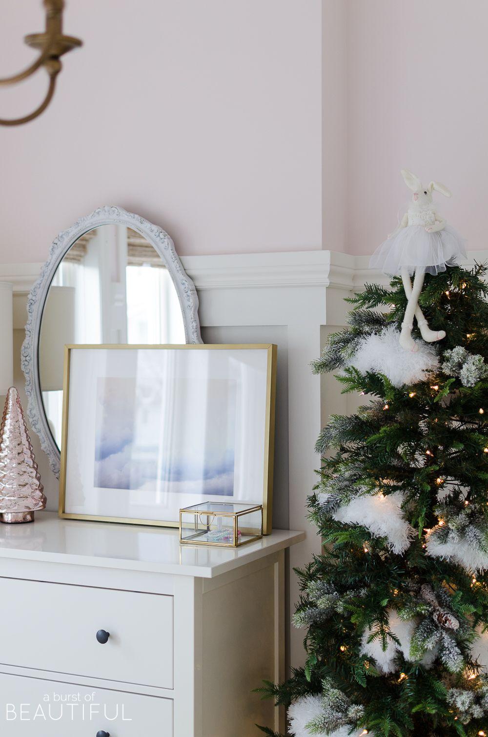 A Pink and White Christmas Bedroom | Christmas Home Tours ...