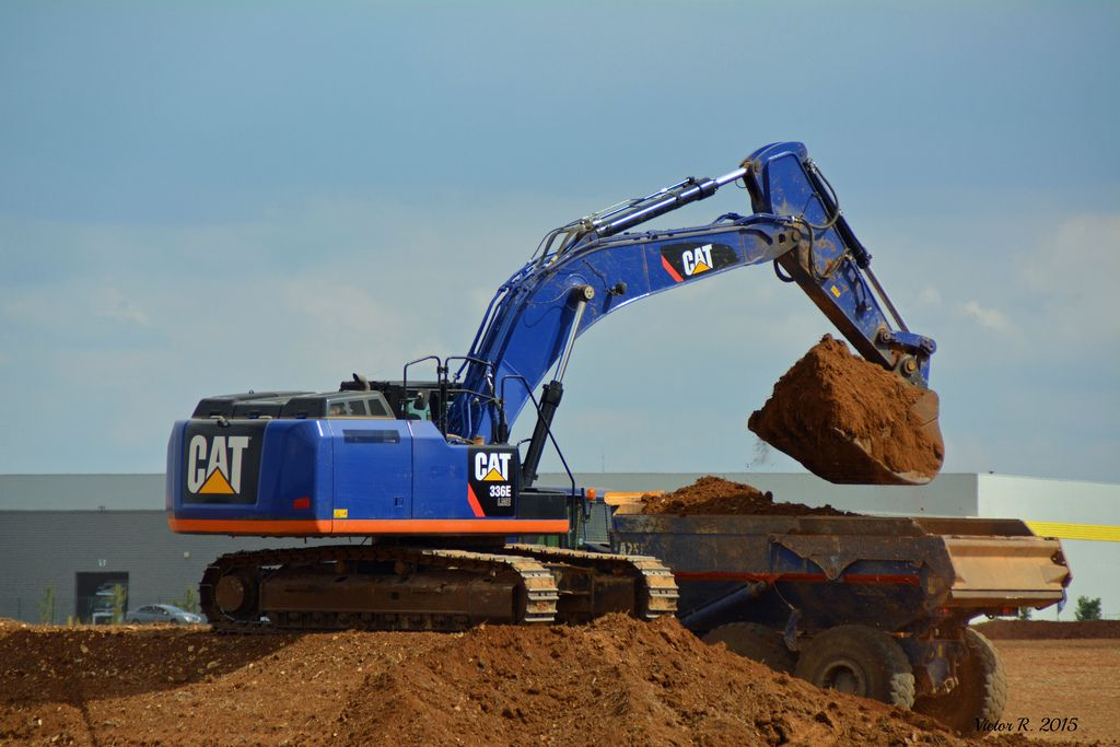 Cat 336 LME in Blue! Cats of a Different Color Pinterest Cat