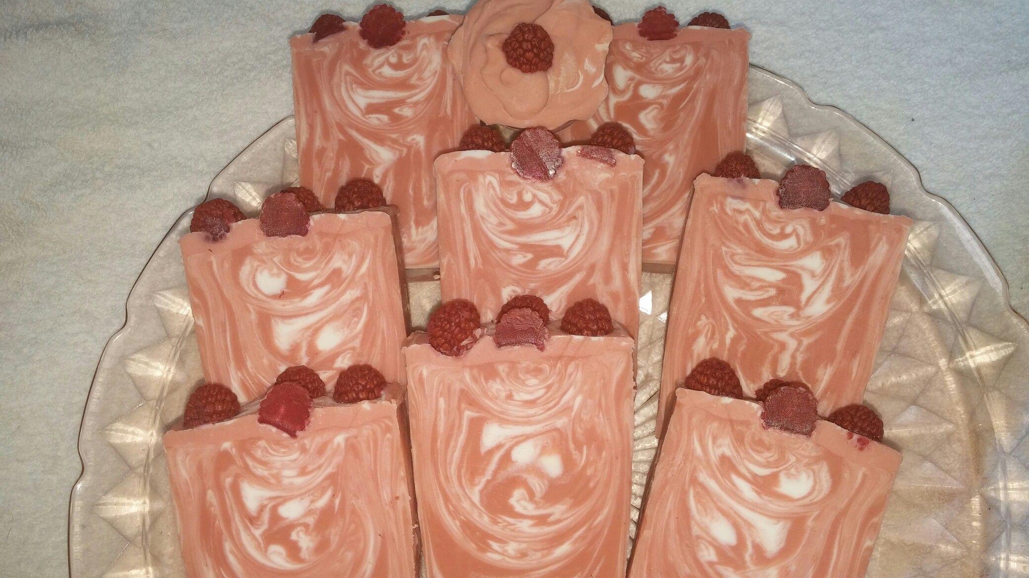 Black Raspberry Vanilla cp soap. Smooth, creamy, and sweet. Love it!