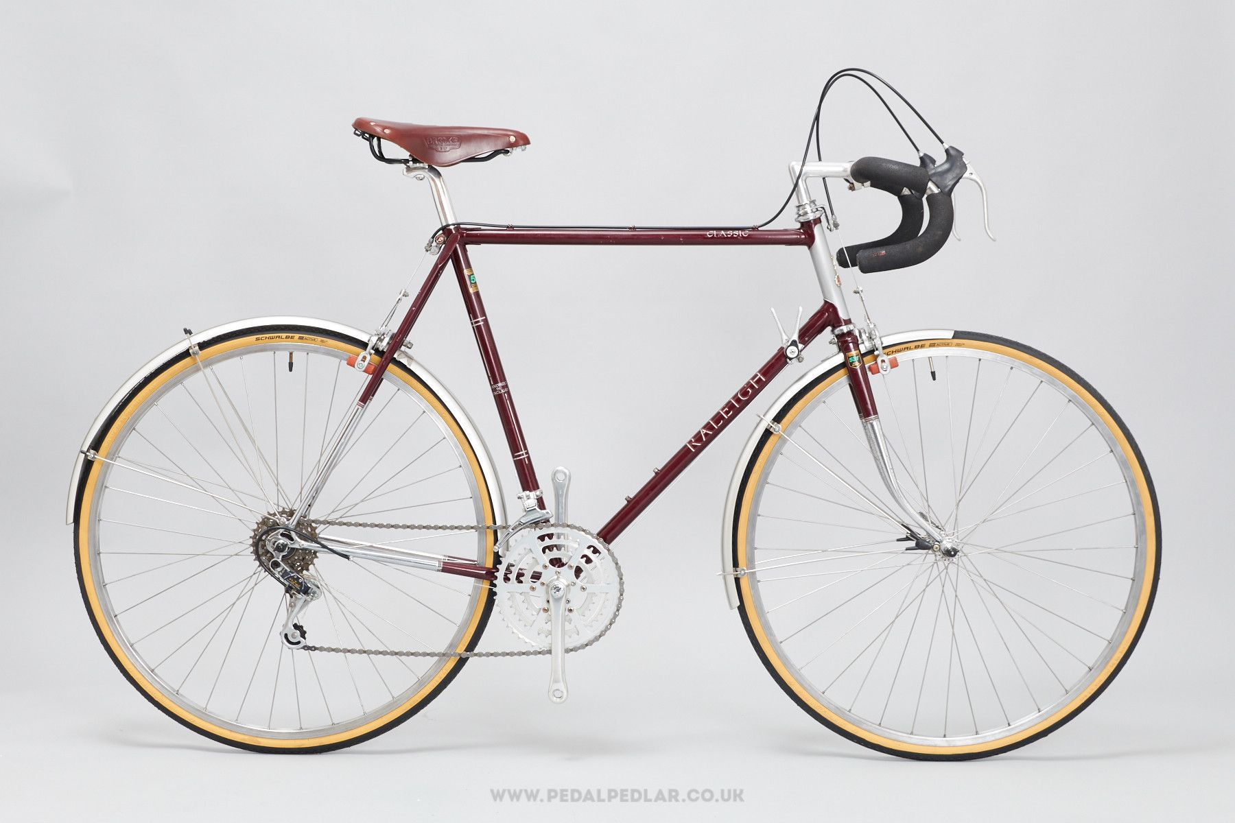 58cm Raleigh Classic Vintage Touring Road Bike Bikes