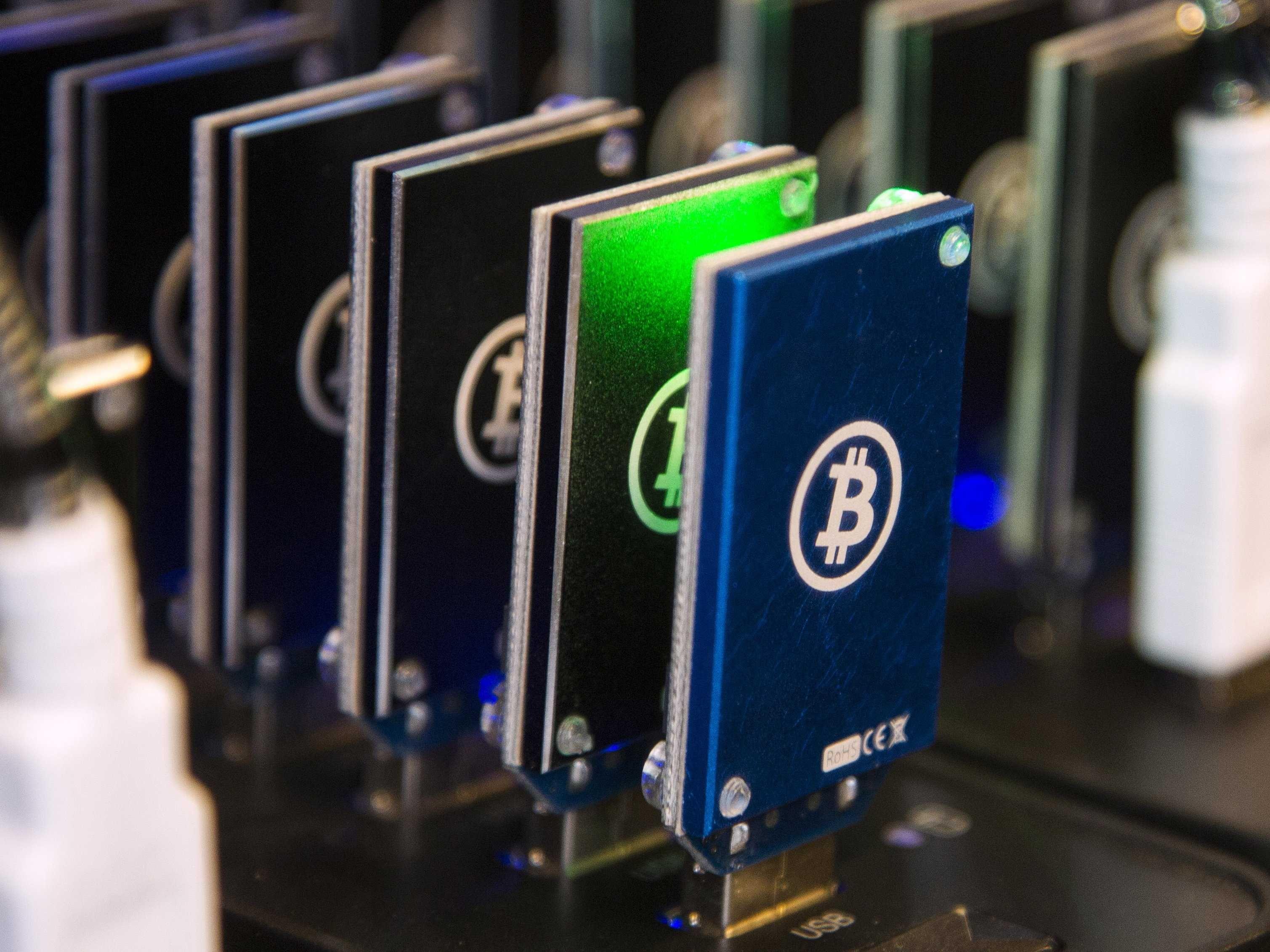 Should You Mine Bitcoins What Bitcoin Usb Do You Use – La