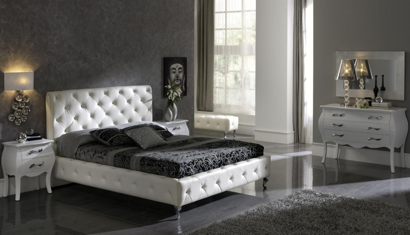 Interior Achromatic Bedrooms With Gorgeous Combination Of Black