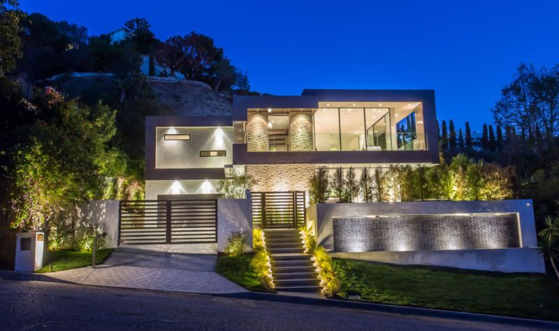 Rising glen a beautiful modern home in hollywood hills for Modern homes hollywood hills