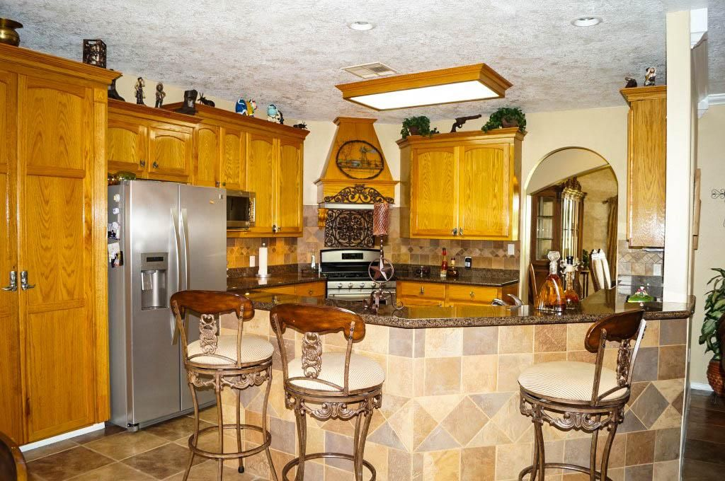 5817 Alleluia Trail Manvel 77578 Home Value Har Com Kitchen Island Bar Breakfast Bar Wall Bar