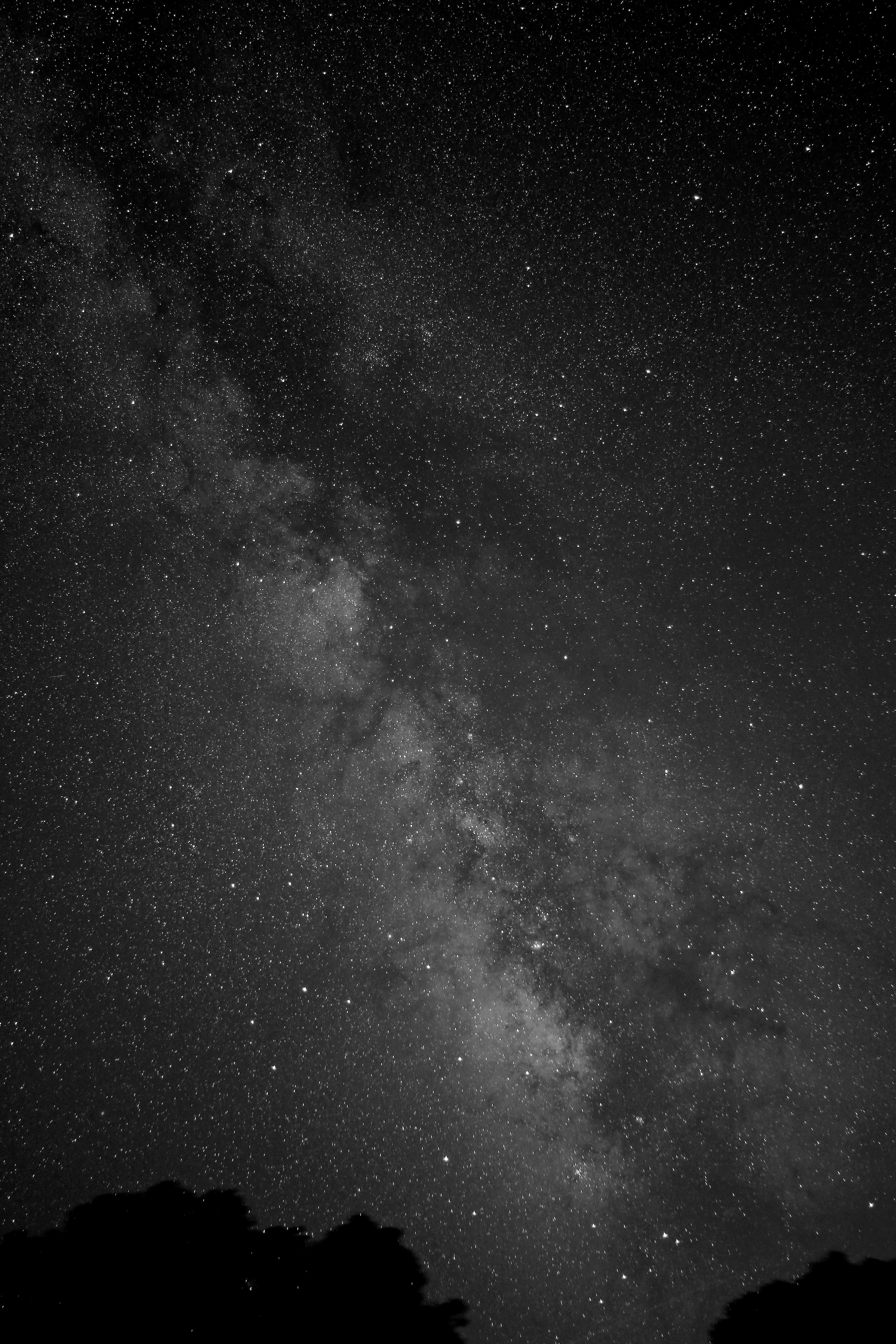 Victor Rogus Took This Black And White Image Of The Milky Way On July 13 2013 From Jadwi Night Sky Photos Black Background Painting Black And White Background Galaxy cool black and white wallpaper