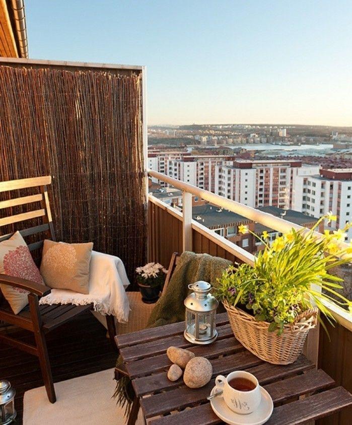 1001 conseils pratiques pour am nager un petit balcon petits balcons balcons et couchers de. Black Bedroom Furniture Sets. Home Design Ideas