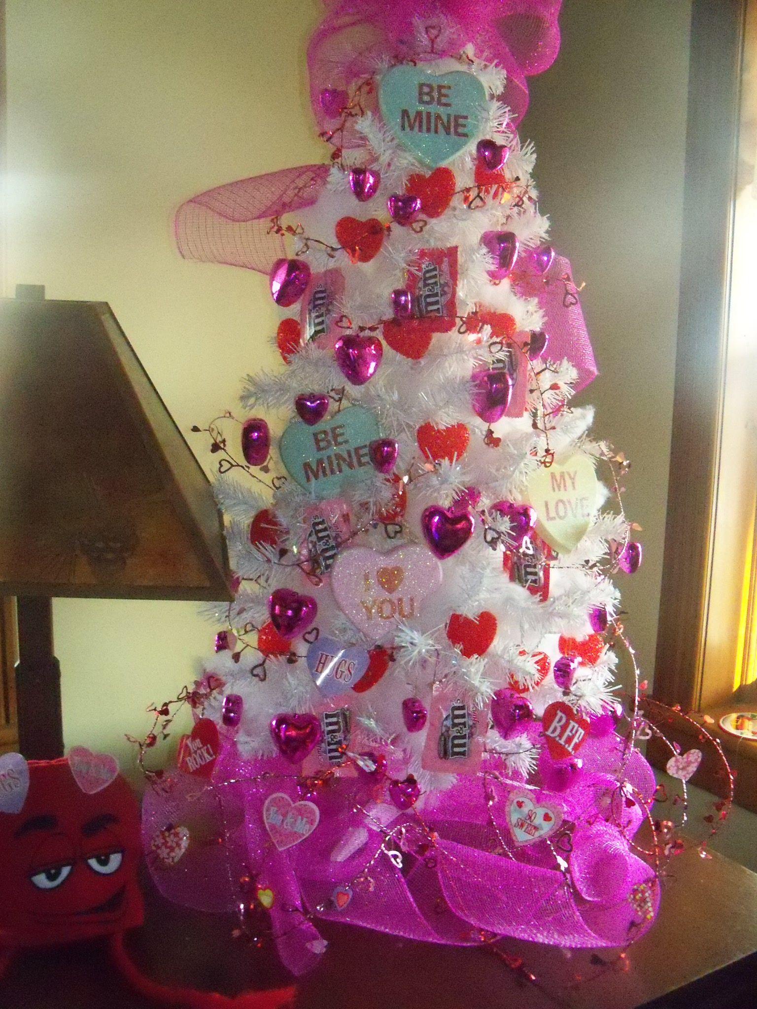Creative And Beautiful Valentine Day Tree Craft