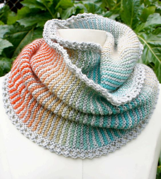 Free Knitting Pattern For Prisma Loop Cowl Infinite Scarf Garter