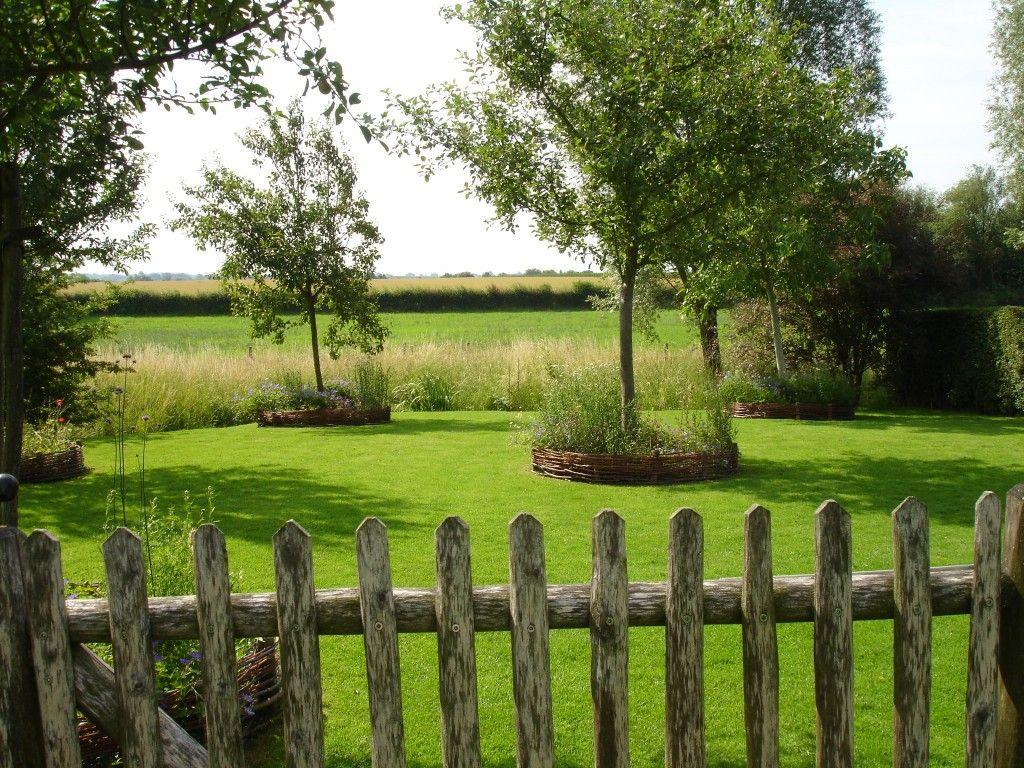 jardin de carishof ouvert sur la campagne environnante jardin jardins et campagne. Black Bedroom Furniture Sets. Home Design Ideas