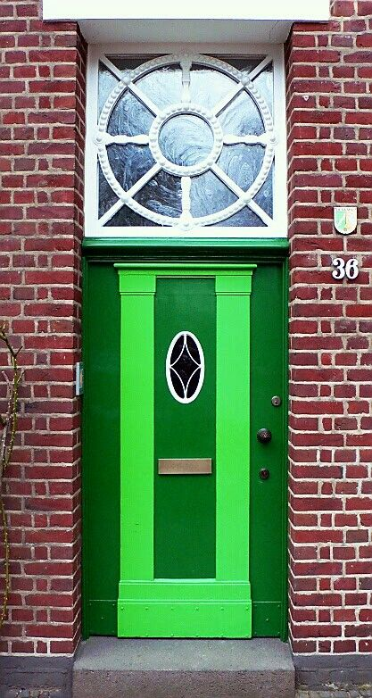 Architecture is unique on this green door in Krefeld Germany. - photographer Tablinum Carlson & Architecture is unique on this green door in Krefeld Germany ... pezcame.com