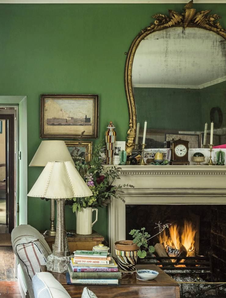 25 Inspiring And Colorful Home Decor Vignettes Living Room Color Schemes English Country House English Country Decor