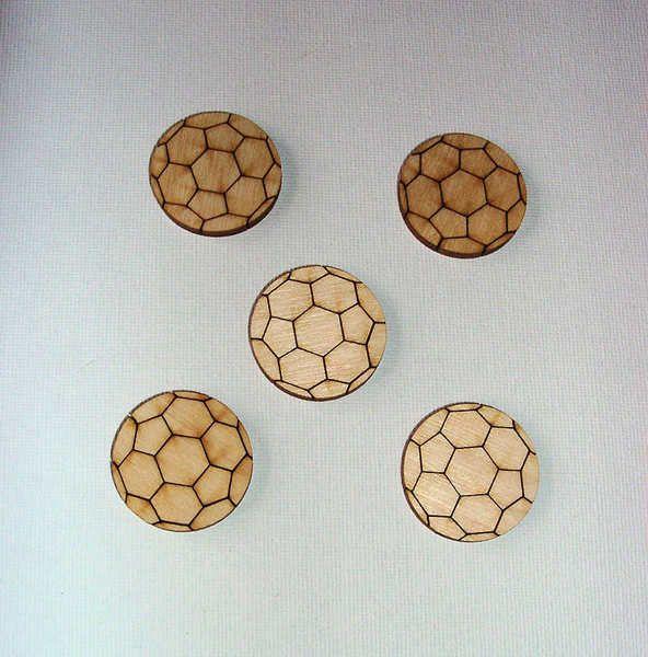 holzteil fu ball holz natur flach zum bemalen und dekorieren f r vielerlei bastelarbeiten. Black Bedroom Furniture Sets. Home Design Ideas