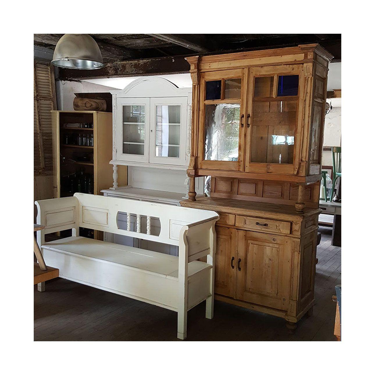 Die Brocanterie Lagerhaus Fur Alte Landliche Mobel Im Loftstyle Vintage Mobel Landlich Loft Mobel