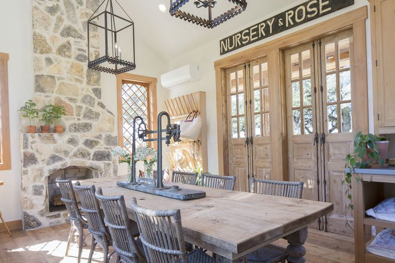 8 Things You Definitely Missed During Last Night's Special 'Fixer Upper' Episode