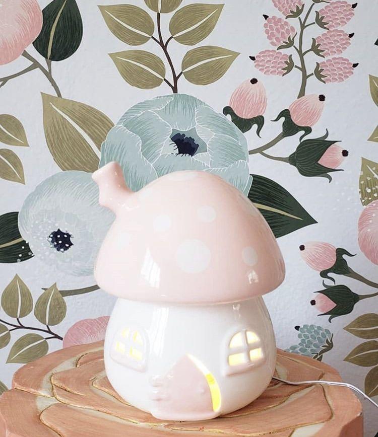 #littlebelle #nursery #kidsnightlight #nurserydecor #nurserydesign #babyroom #babynursery #babyfever #babyroom #newbaby #babyfever #thatsdarling #flashesofdelight #pregnancy #expecting #igmotherhood #motherhood #pregnancy #babyontheway #girlsroom #babysleep #sleepconsultant