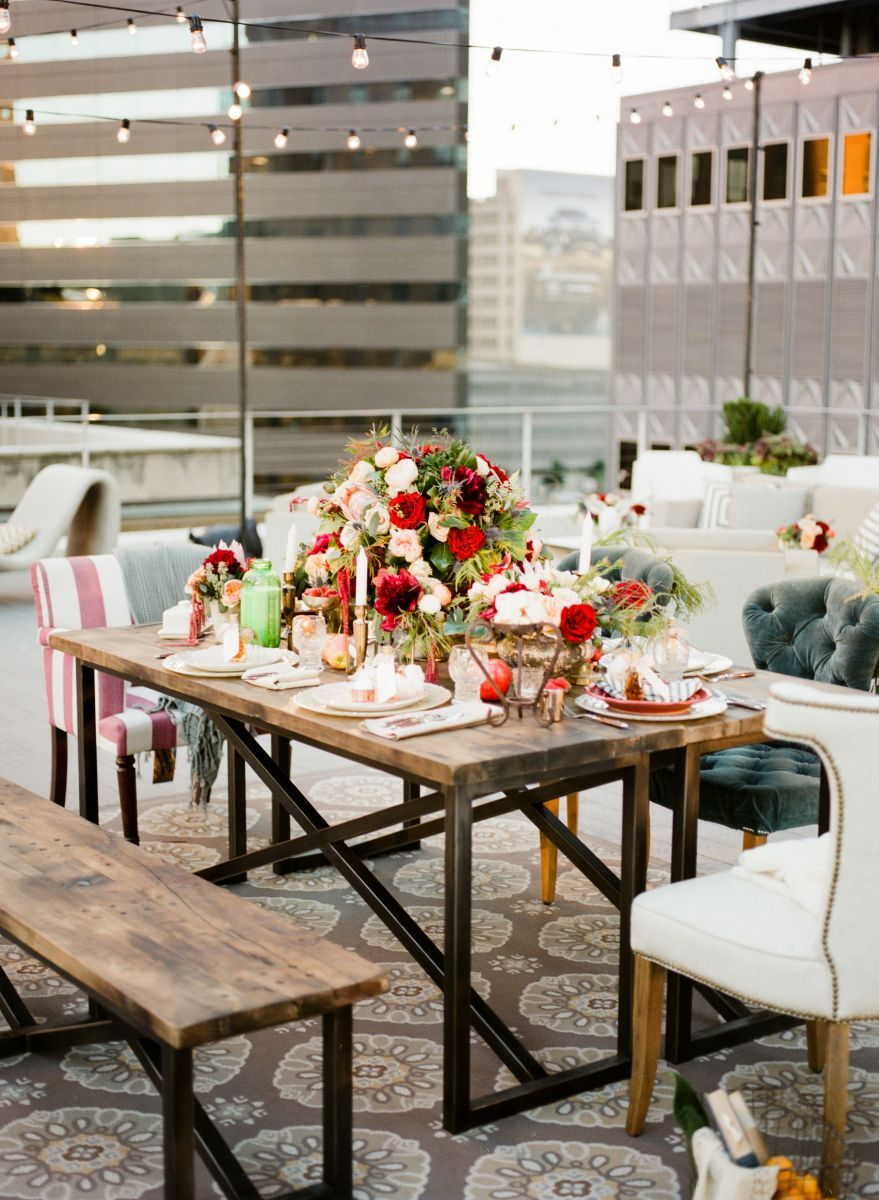 Marvelous An Outdoor Christmas Party | The Everygirl Awesome Design