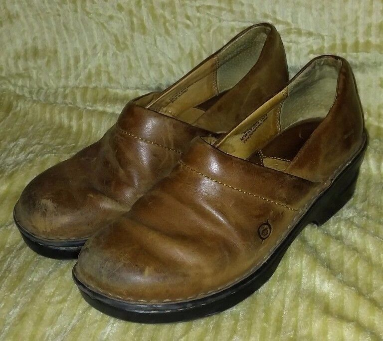 womens brown leather 'Born' slip on casual loafers size 8