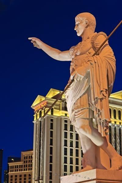 Statue Caesars Palace Hotel And Casino Dusk Photo Information Caesars Palace Las Vegas Pictures Palace Hotel