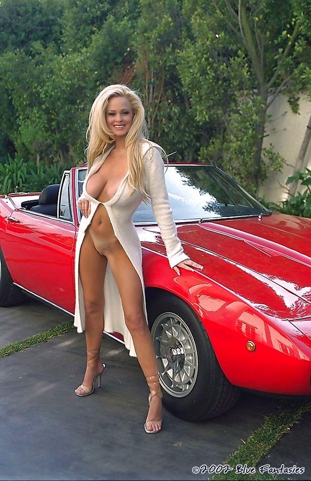 naked latna girls showing pussy