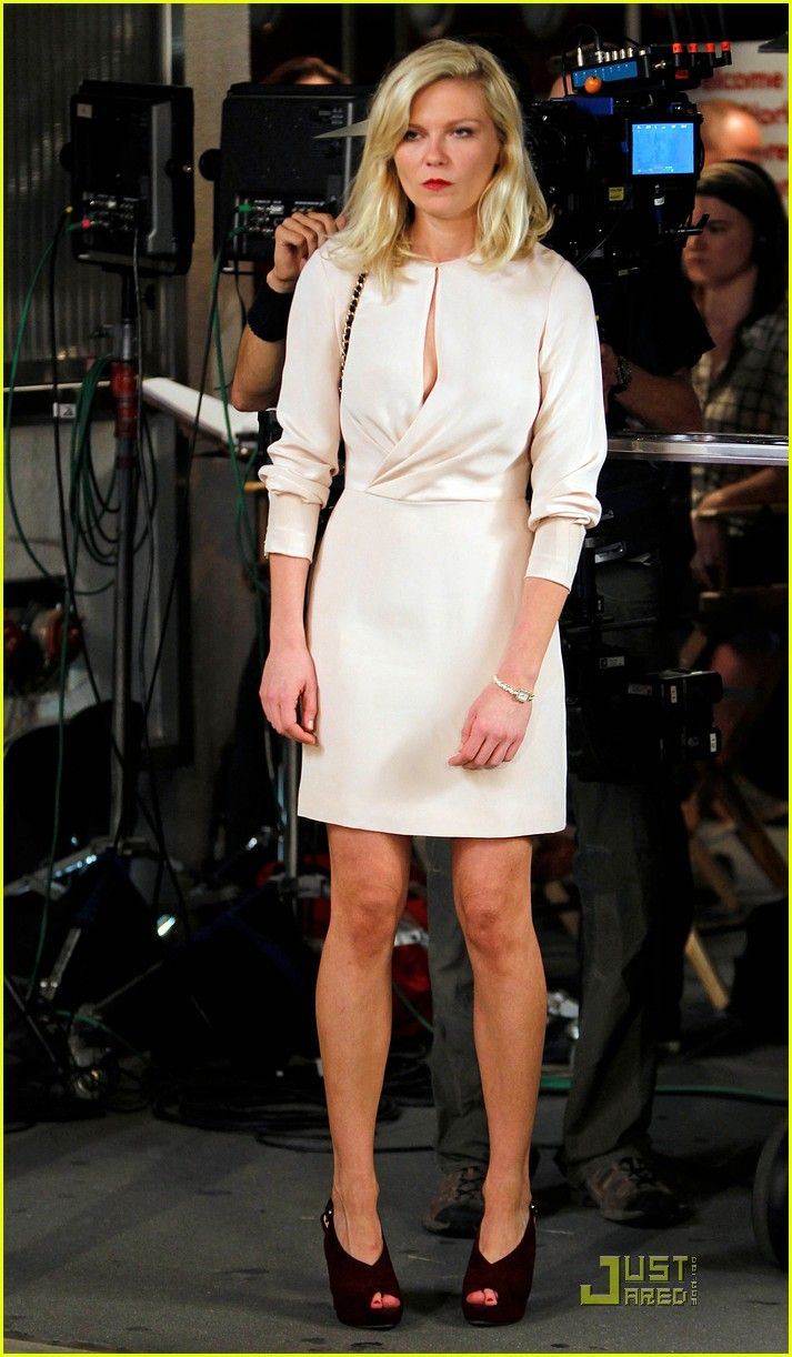The Dress Kristin Dunst Wore In Bachelorette Philip Lim Faux Wrap With Kaboo Keyhole