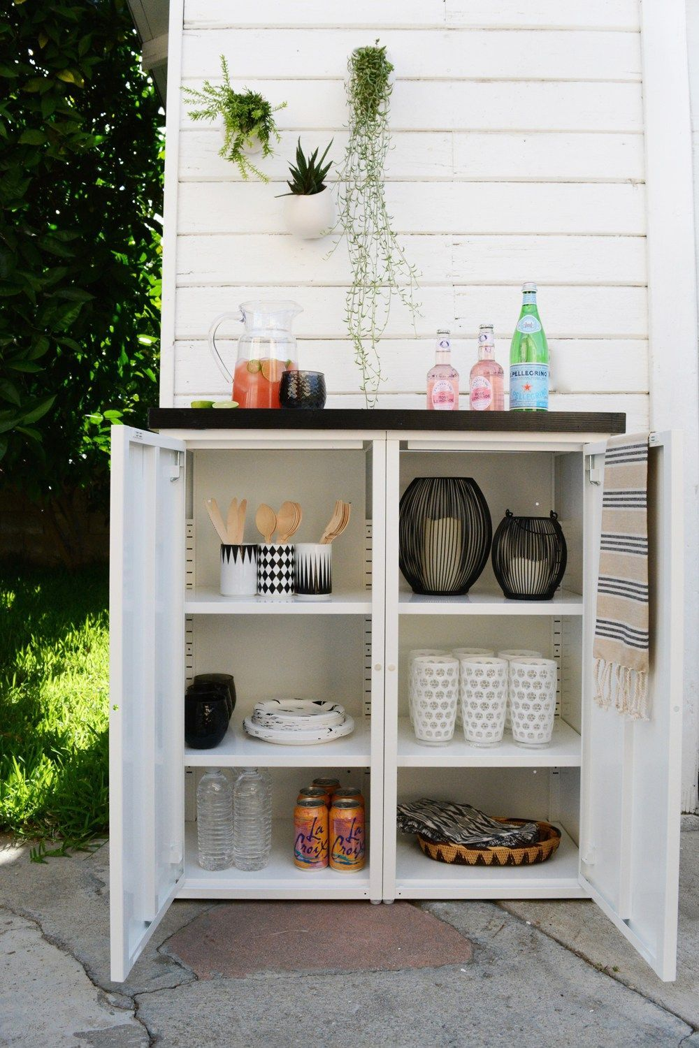 Diy Outdoor Buffet 2 Ikea Metal Cabinets And A Custom Tiled Top Create This Mod In 2020 Outdoor Storage Cabinet Outdoor Buffet Outdoor Cabinet