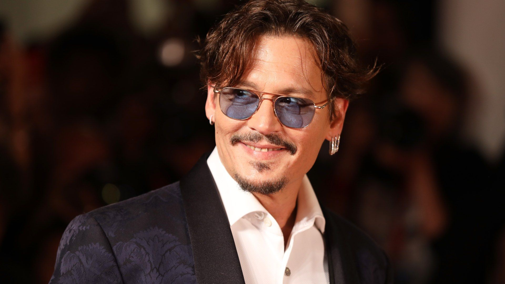Mostra del Cinema di Venezia 2019, per Johnny Depp il red carpet più rock