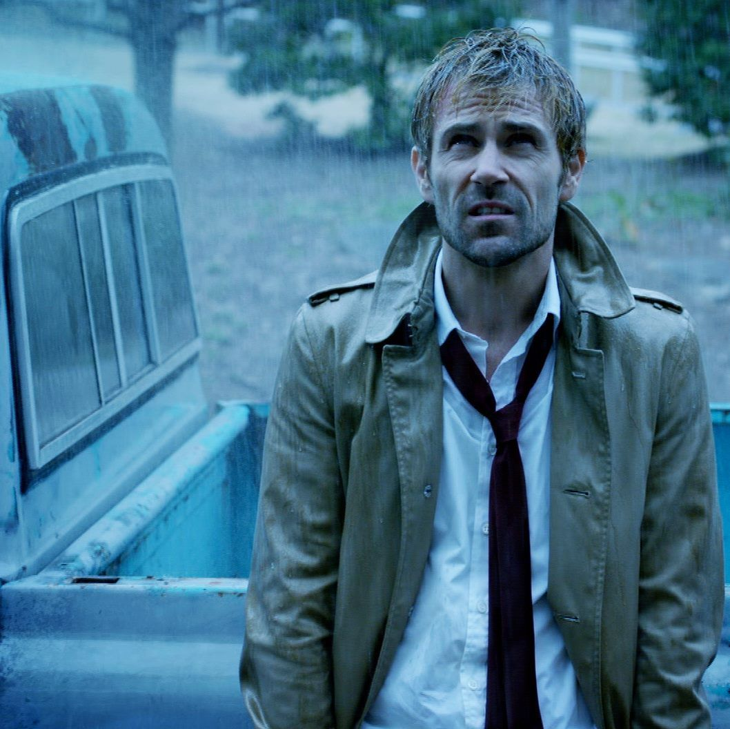 New Constantine Still While We Are Counting Down The Days Until All Of The Brand New Dc Comics Related Television Shows This Fall Comic Con Trailer Papelpop