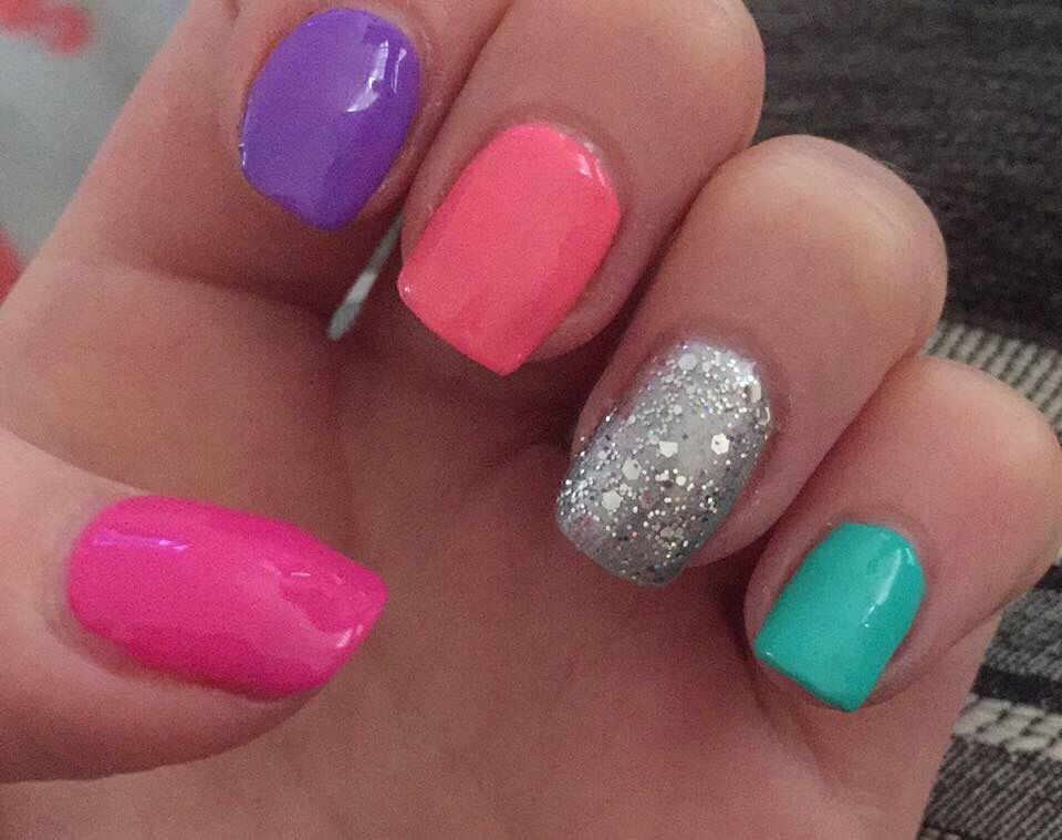 Bright summer nails manicure gel IBD gelish dolce vita pink purple coral peach silver glitter green nail art