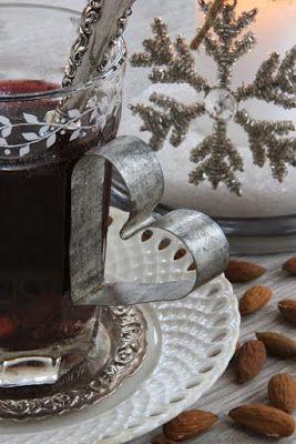 Χριστουγεννιάτικες Κατασκευές: ΣΤΟΛΙΔΙΑ από ΦΟΡΜΕΣ ΜΠΙΣΚΟΤΩΝ | ΣΟΥΛΟΥΠΩΣΕ ΤΟ
