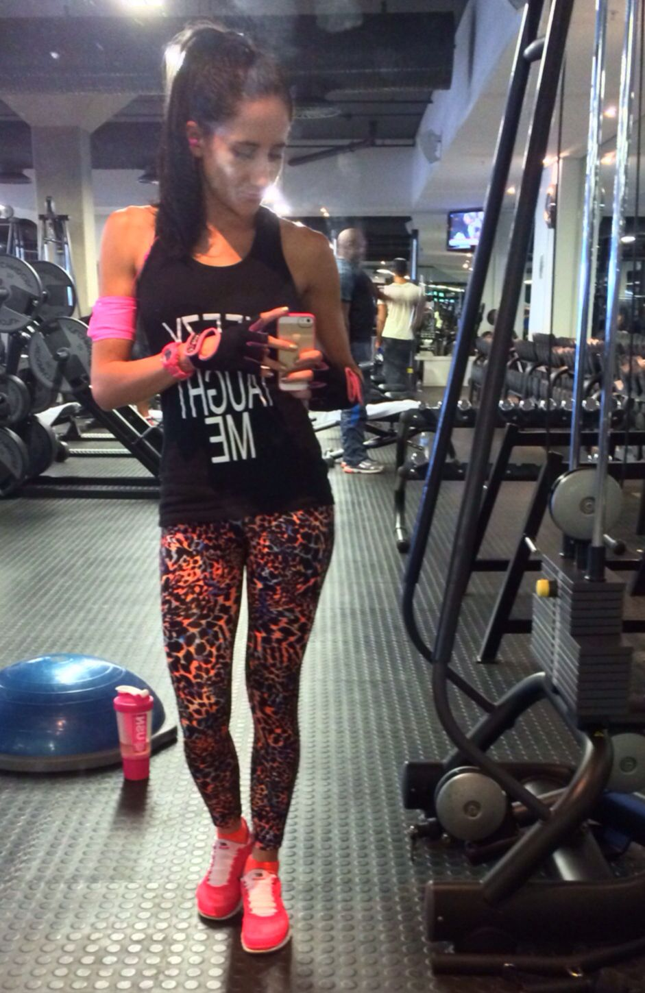 Gym outfit ❤ coral & orange leopard print gym tights, coral nike shoes!