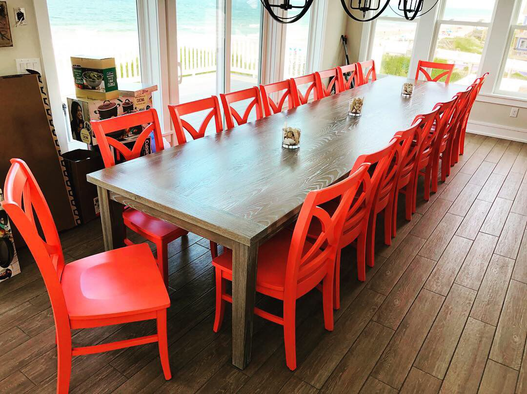 #coral #beachhousedecor #obx #woodsroadfurniture #diningtable #diningroom