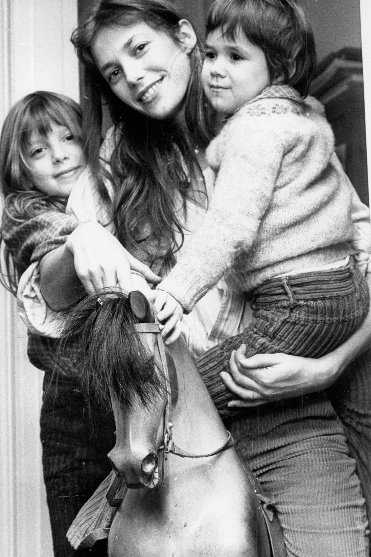 February 16 1976 - Jane Birkin with daughters Kate Barry ...
