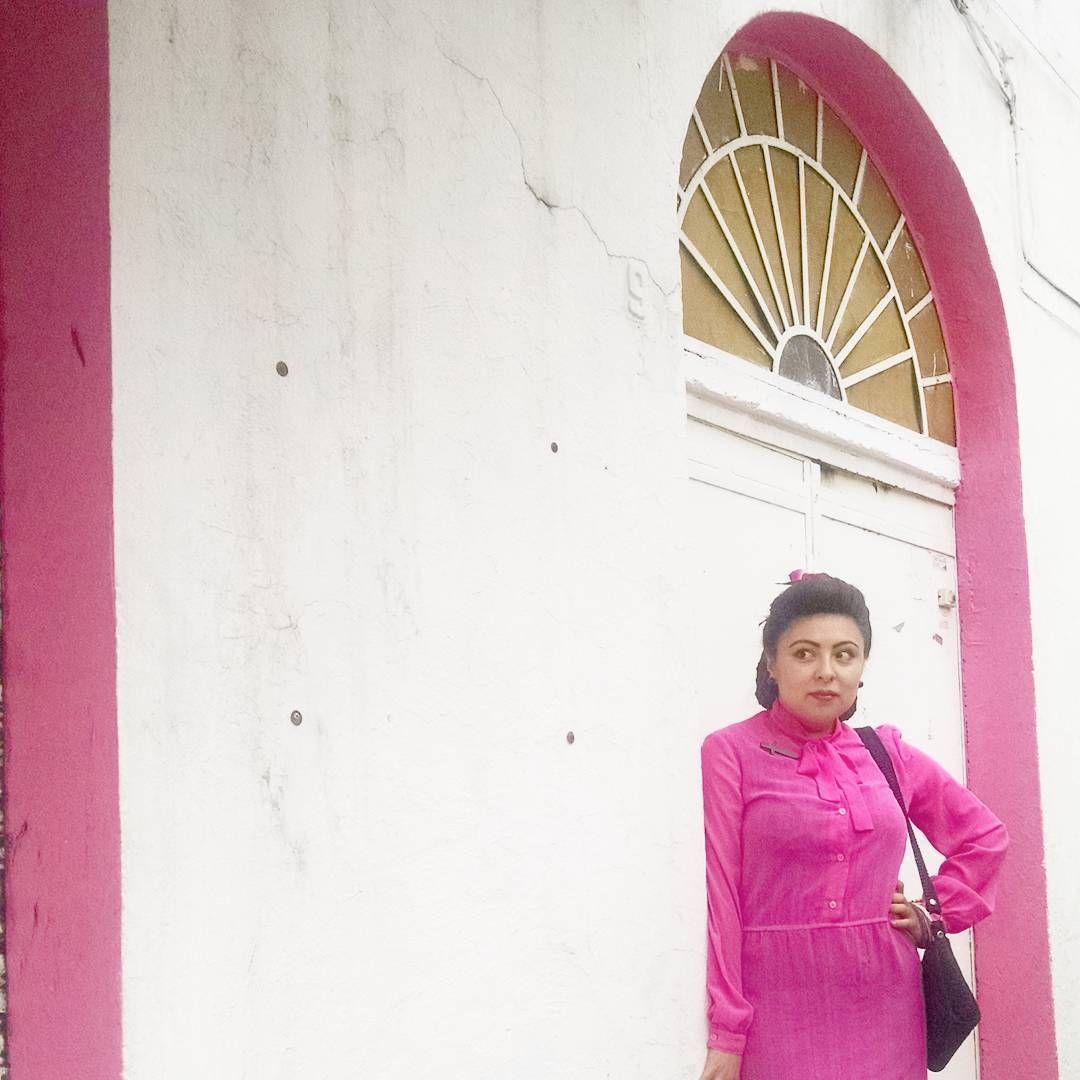 edith_mexicanavintage1940sViendo el camino y es realmente emocionante   sólo los que saben de donde vienen saben a donde van. #bomshell #mexicancurves #vintagegal #mexicanavintage1940s #40sstyle #mexicanbomshell #mexicanbeauty #vintagemexico #1940sstyle #truevintageootd #mexicanvintage #chaguita40s #50sstyle #muchachavintage #vintagegirl #50s #edithlamujerdefuego #truevintage #vintageootd #mexicovintage #vintagemexicana #truevintagemexican butcherjames