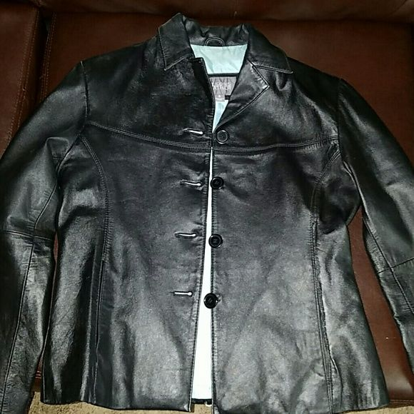Wilson's leather jacket Good condition a little discoloration inside jacket (2nd picture). 3rd picture shows jacket was torn at pocket at one time has been repaired since, barely noticeable. Wilsons Leather Jackets & Coats
