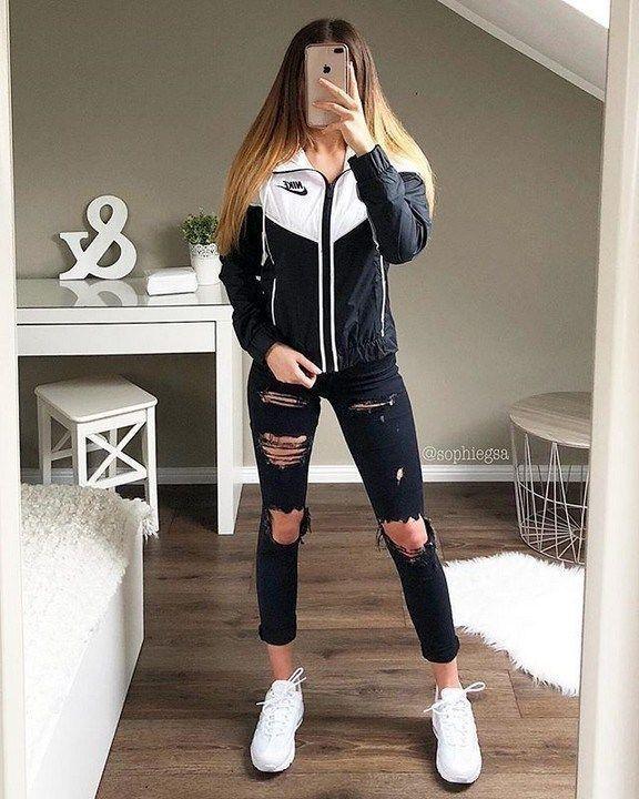 Nike Sportswear Windrunner Women's Jacket (Plus Si