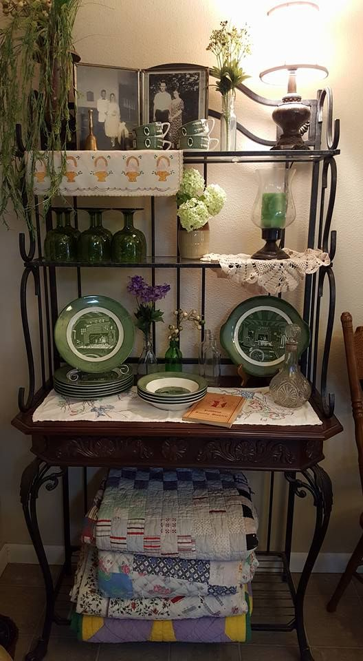 Decorating Baker S Rack With Family Heirlooms Quilts And Vintage
