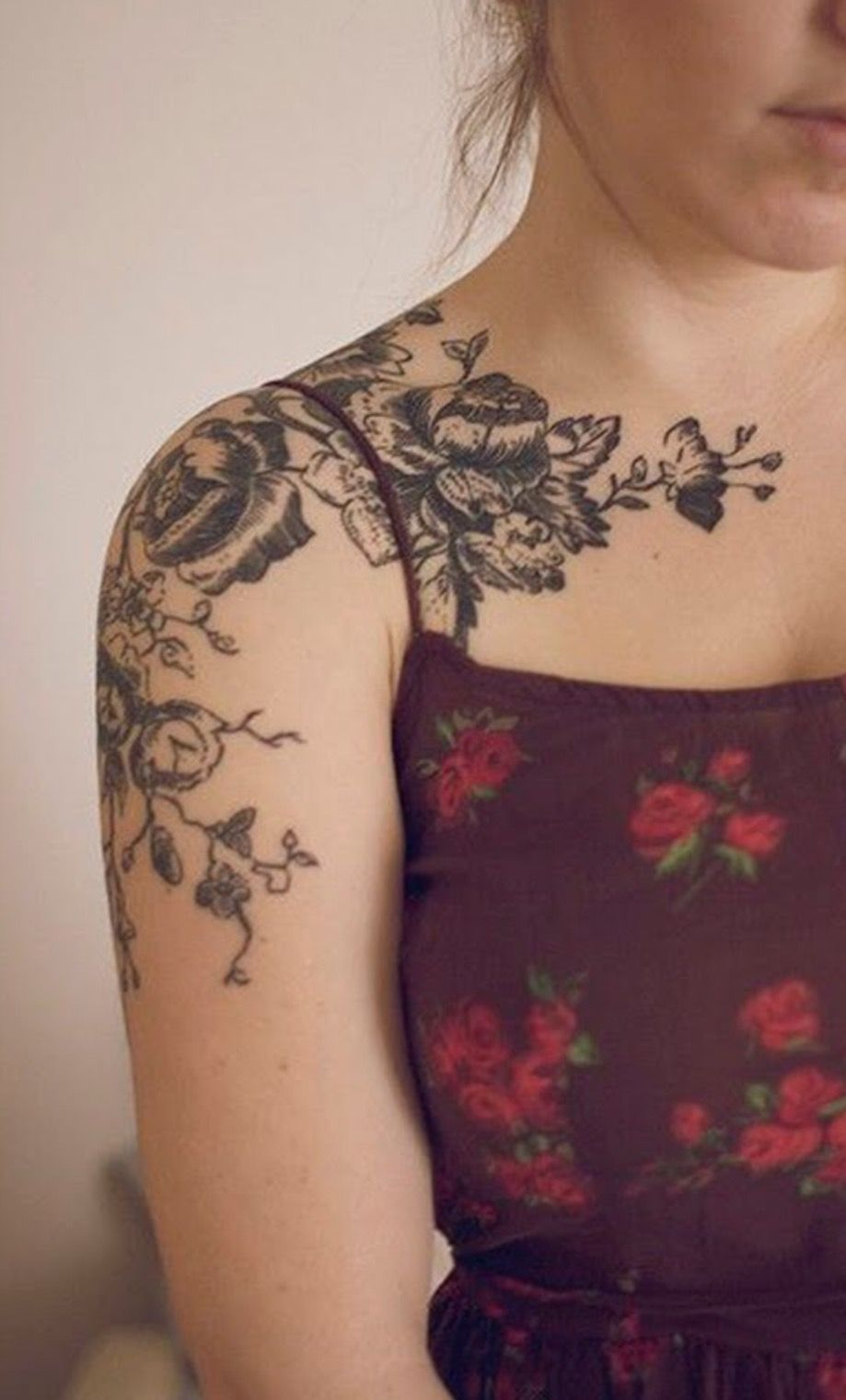 Pingl par kellsie sur tattoos pinterest - Tatouage epaule femme fleur ...