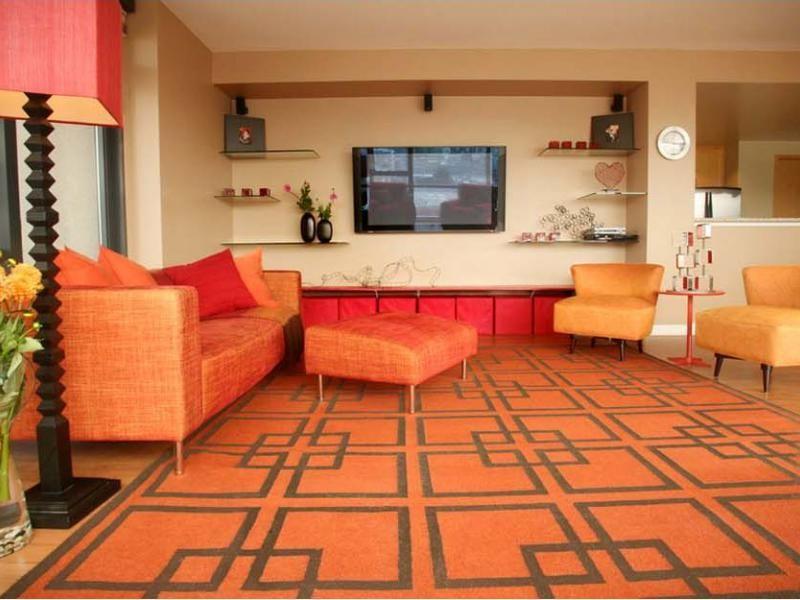 Narancssárga szőnyeg a retro nappaliban - nappali ötlet, retro ...