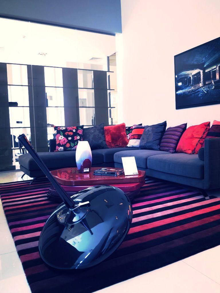 Contemporary Residence Bahrain House Architected By Moriq: Roche Bobois , Bahrain