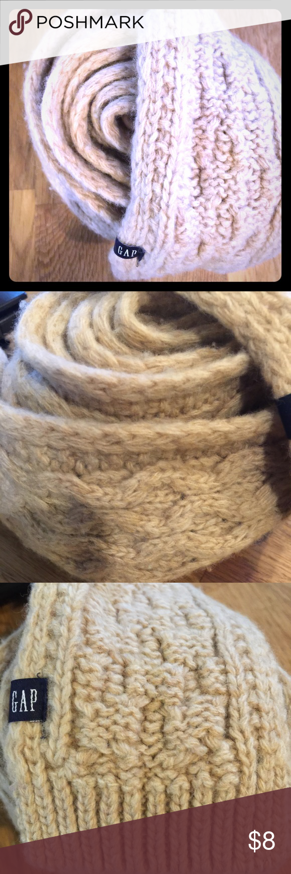 🎉FREE w/any Boutique purchase!🎉Gap Skinny Scarf Beige Gap skinny scarf. Gently worn. Cute for fall with leggings or jeans! GAP Accessories Scarves & Wraps