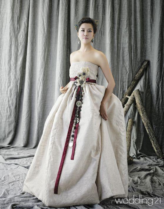 Han Bok Www Jinjusangdan Com Wedding Party Idea In 2019 Korean