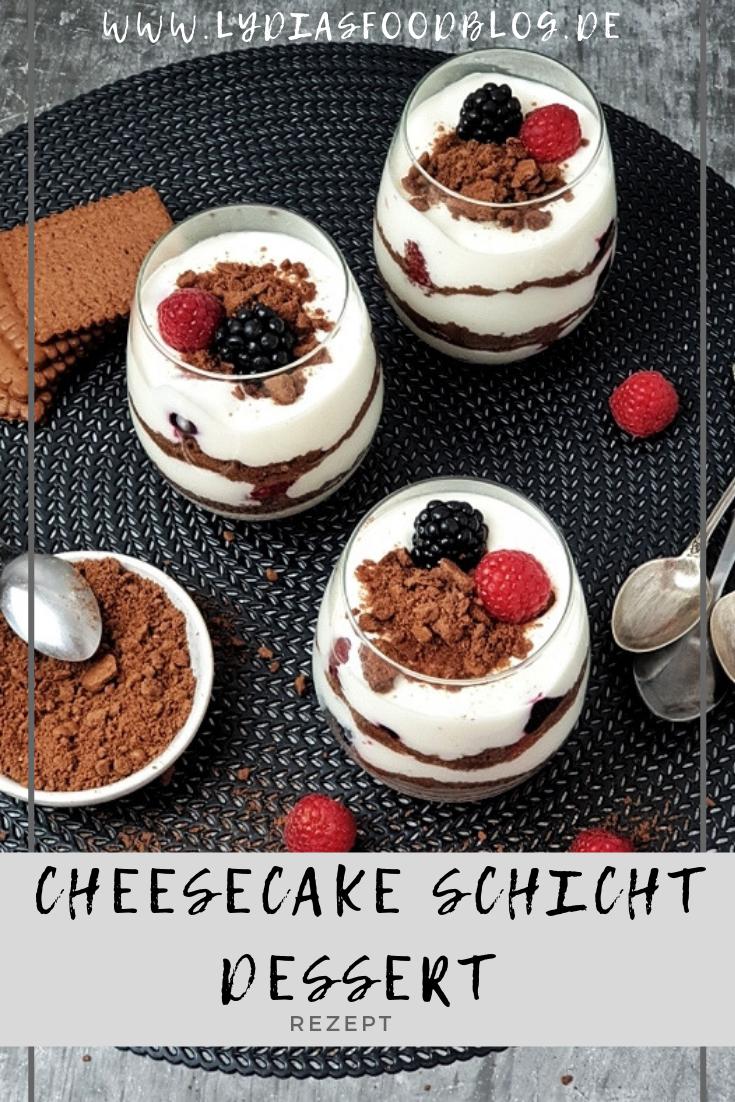 Beeren Cheesecake Schichtdessert im Glas