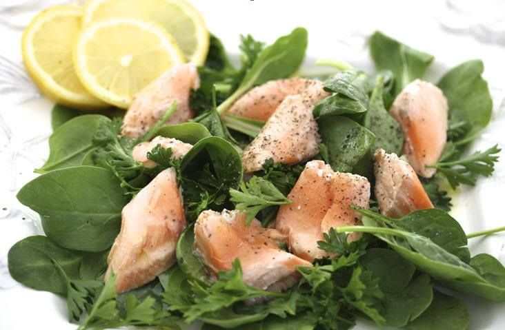 Wild Salmon Salad from Pret a Manger. 170 calories. Don't have the dressing, it has almost the same calories again.