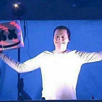 @Regrann from @angeltiesto6  -  Tiësto .... #tiestoexperience #tiesto #tiestofamily #tiestoclublife #tiestolife #clublifebytiesto #clublife #dj #raver #plur #makesomenoise #elementsoflife #musicislife #trance #trancemusic #trancenation #puretrance #ilovetrance #insearchofsunrise #tiëstogirl #djtiesto #hause #edm #musicalfreedom #tiestos  #edmlife #tiestomexico #annikabackes #tiestophoto #trancefamily
