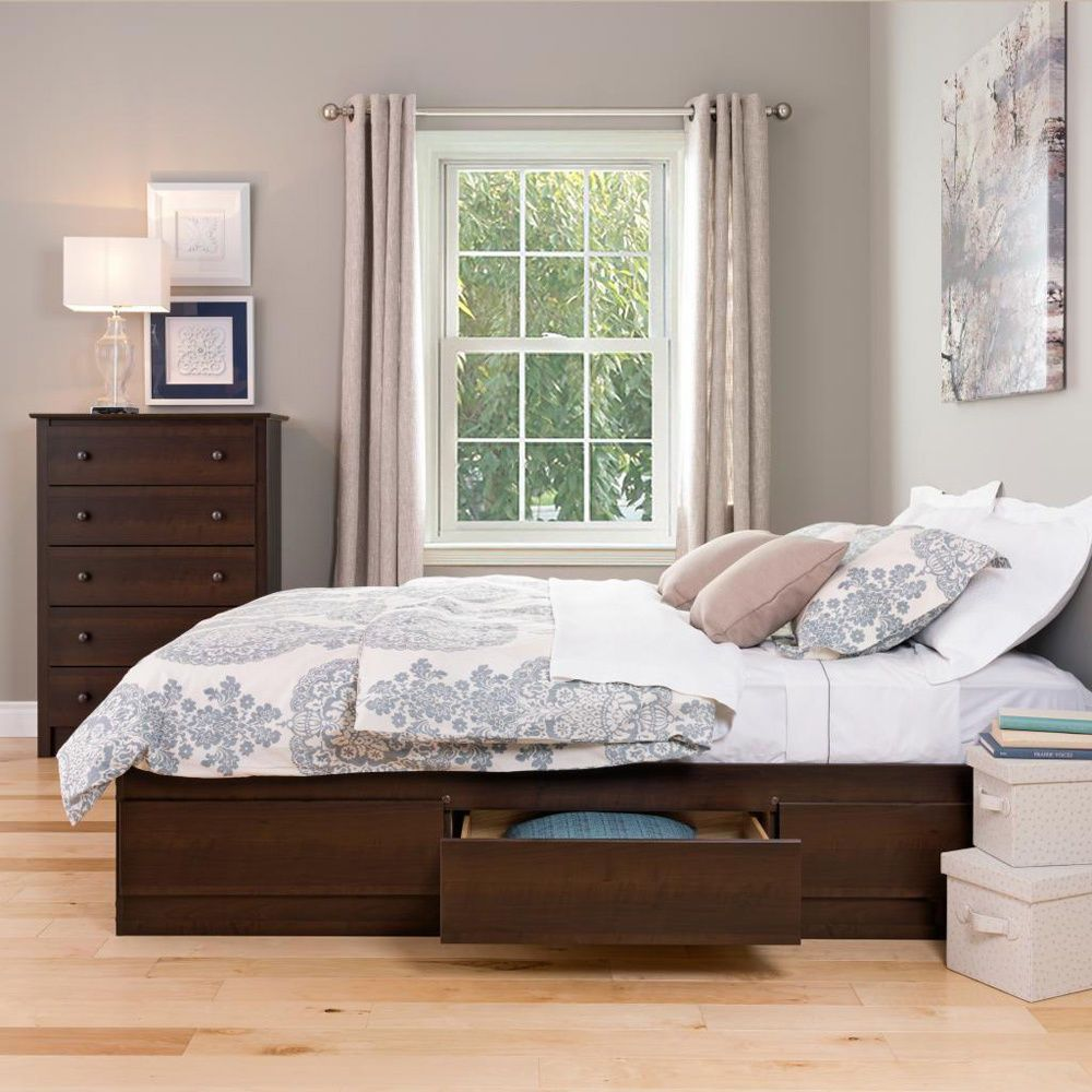 Traditional Queen Size Bed Frame With 6 Drawer Storage And There Are ...
