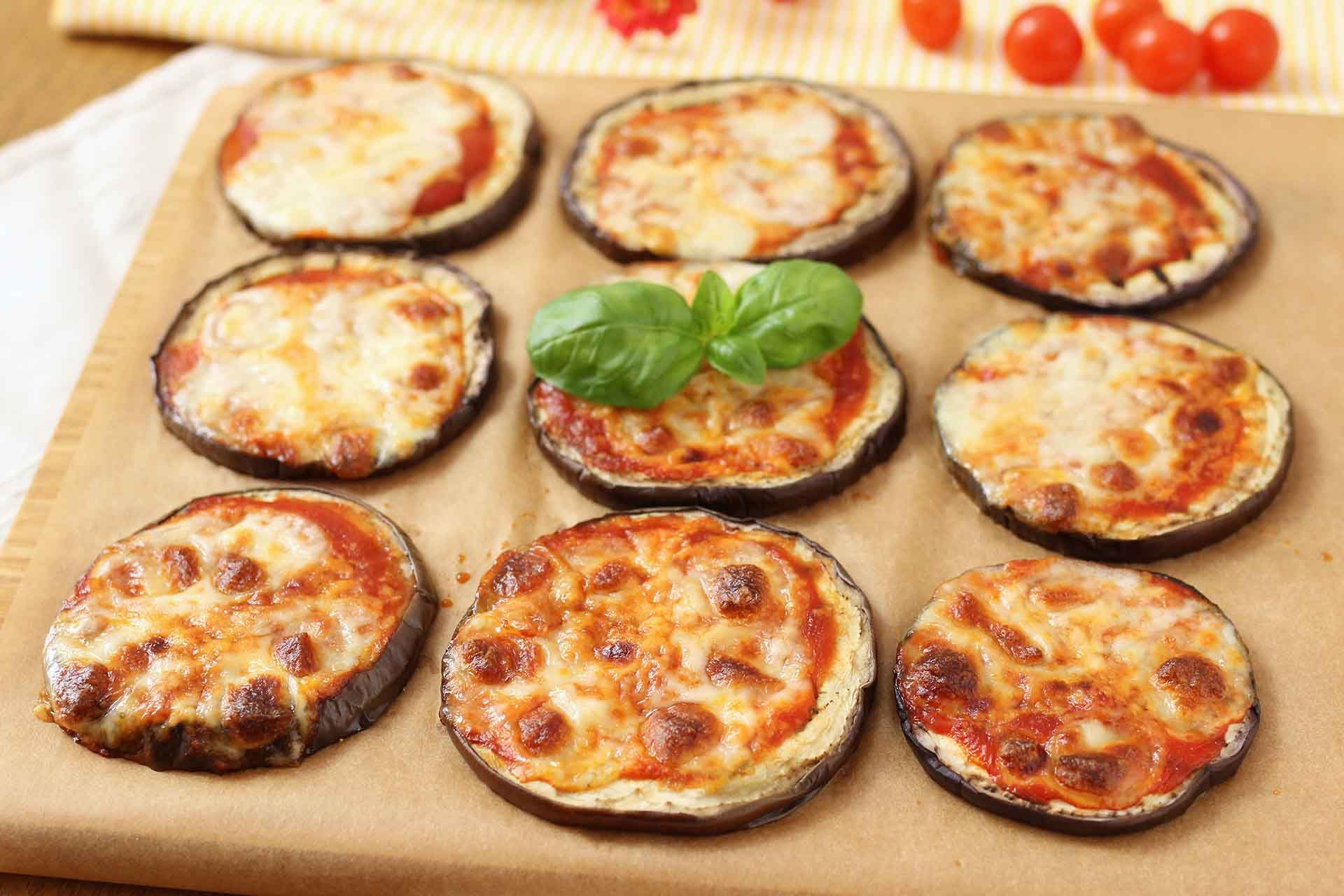 Ricetta Melanzane Benedetta Rossi.Pizzette Di Melanzane Ricette Ricette Di Cucina Ricette Contorni